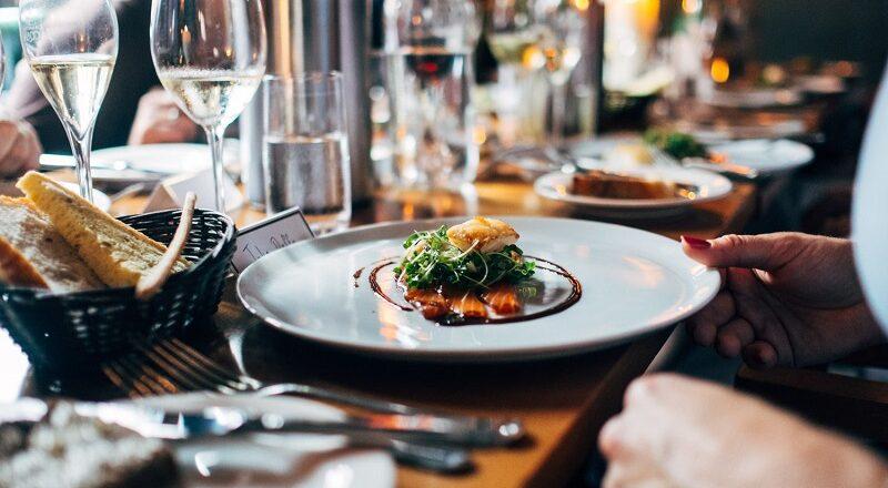 Marketing restauracji. Od czego powinniśmy zacząć promować swój biznes?