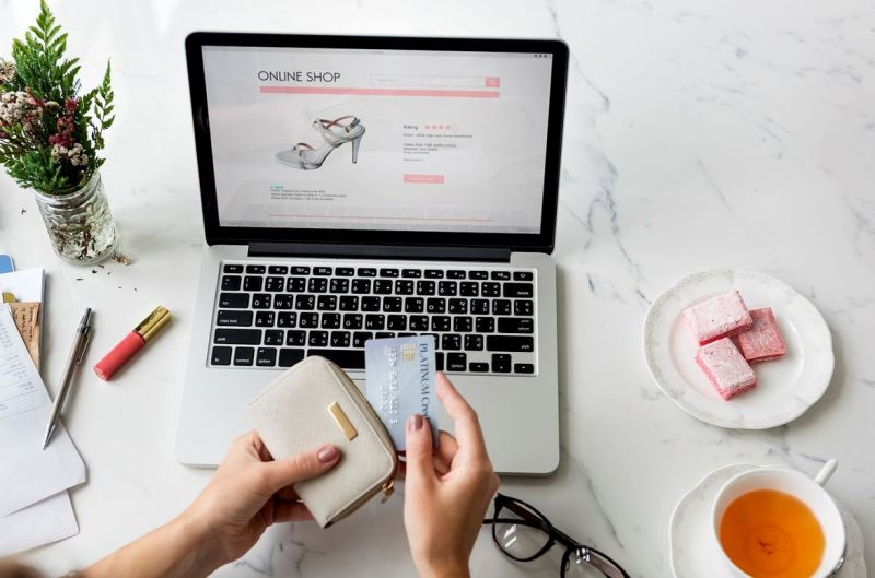 Czy warto prowadzić sklep online